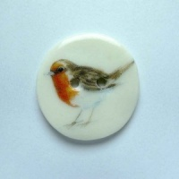 Robin Medium Circular Button