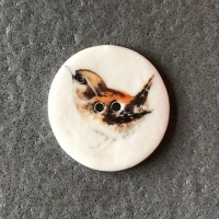 Wren Medium Circular Button
